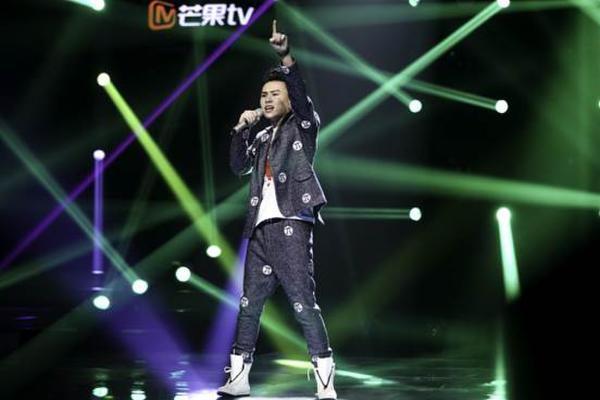 芒果TV《歌手踢馆》互动+移动直播开启新模式