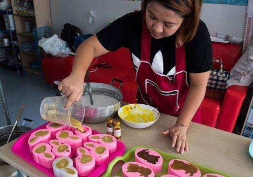 女子制作大便状蛋糕实在太逼真每月卖上千只
