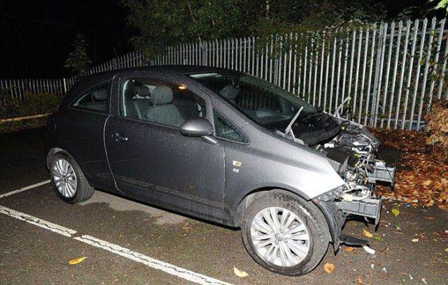 小车停在路边一夜,结果车头被掏空,车主还以为自己做梦