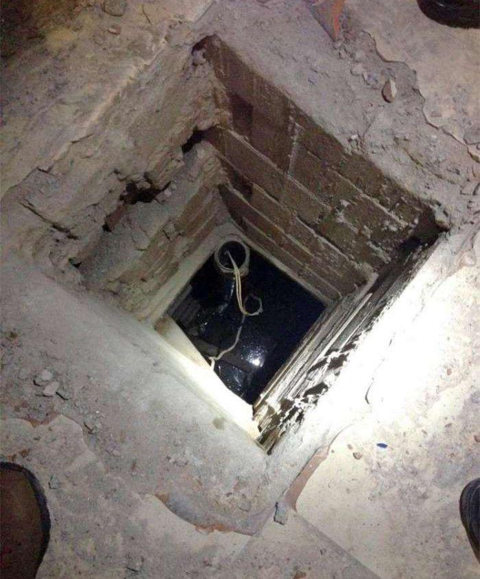 男子买来旧厂房地下室里满是钞票吓得他立马报警!