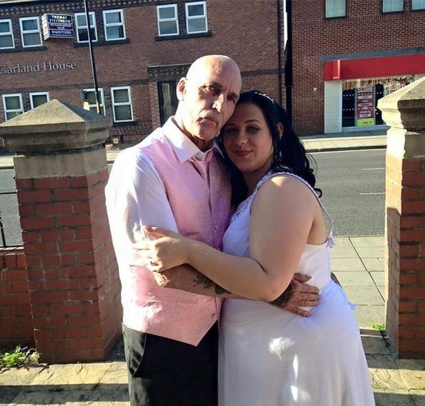 18岁女孩恋上53岁大叔,相处3个月便有了爱情结晶!
