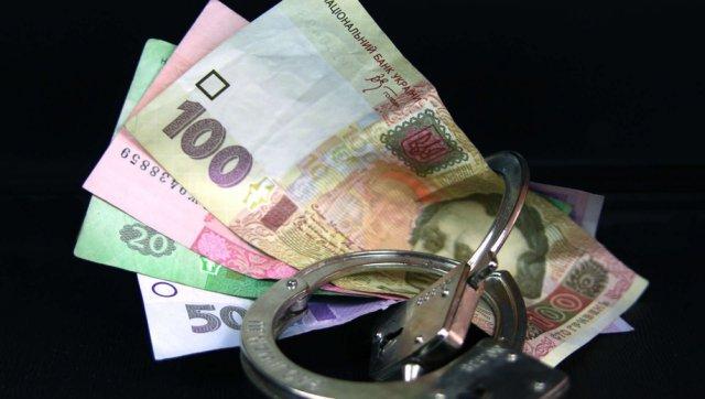 男子过海关身上搜出1.3万法郎,警察对他做X光扫描后的一幕让人彻底惊呆!