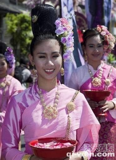 """走进泰国著名""""美人窝"""":男人的天堂"""