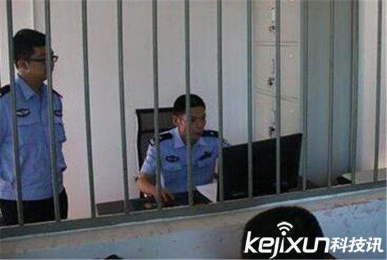 52岁男子报警5000次被拘污言秽语调戏女警