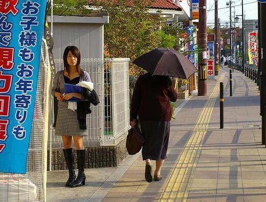 日本近年来为啥死亡率这么高?就因为他们停止了做这件事