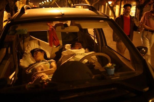 男子车内开空调睡一晚身亡是怎么回事_如何防范