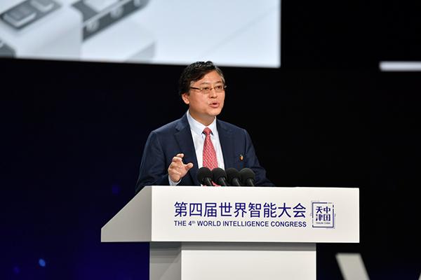 联想CEO杨元庆:疫情倒逼中国制造业实现转型升级
