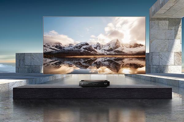 海信发布100英寸影院级全色激光电视 主打沉浸式观影体验