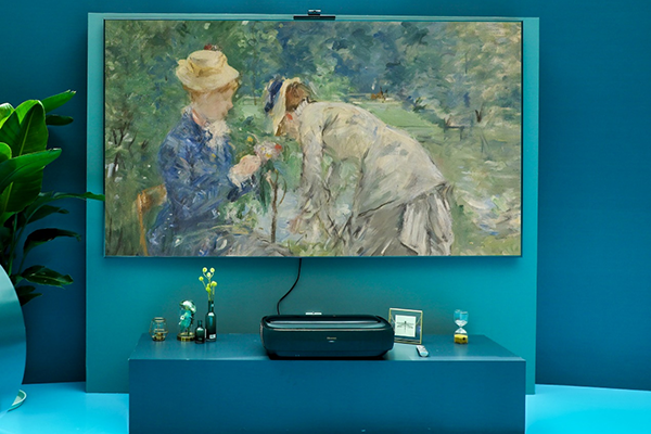 海信卷曲屏激光电视年内上市 采用高性能卷曲屏幕
