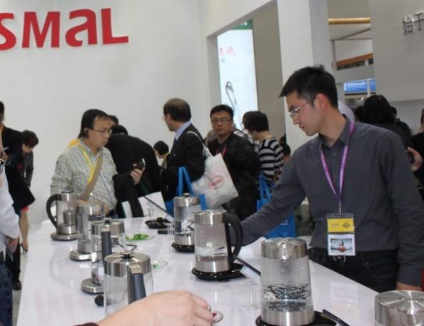 西摩电器发布国内首款智能控制电水壶