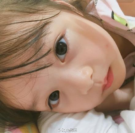 大眼睛可爱宝宝萌照 中国