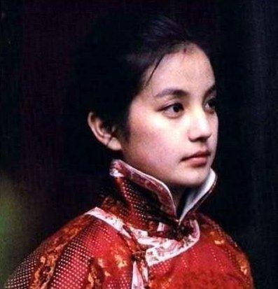 赵薇-女星第一次演戏时的剧照谁是女神一看便知
