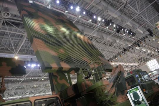 珠海航展国产明星武器:2亿元将超强反隐身雷达带回家